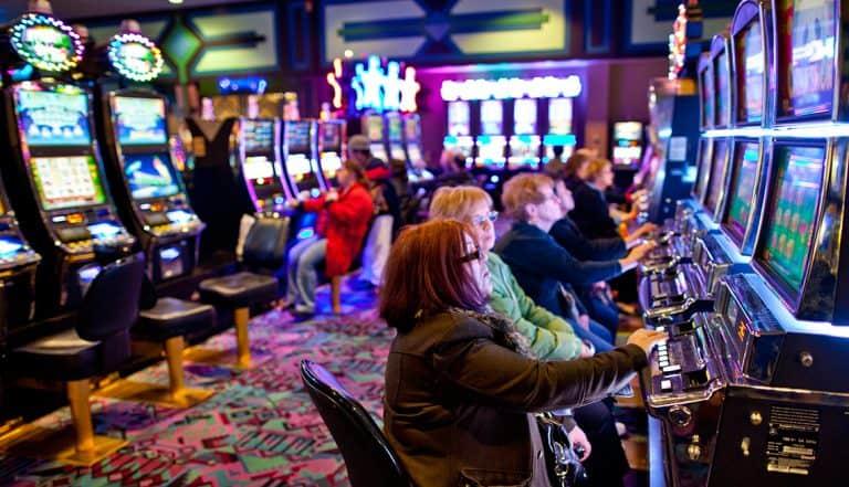 5 Reasons Seniors Love to Go to Casinos