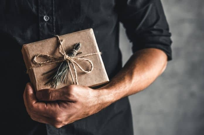 How To Choose a Great Gift for Your Man