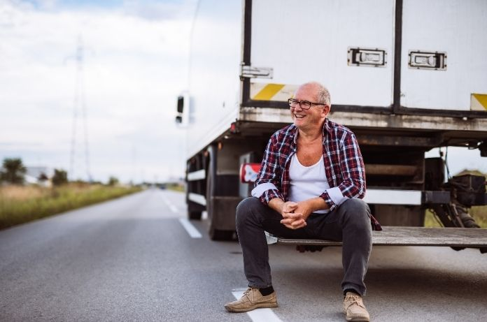Vital Safety Tips for Contract Truck Drivers