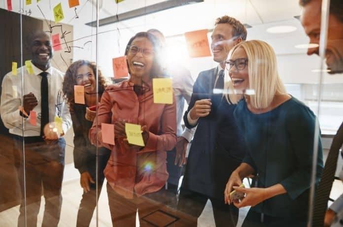 4 Key Characteristics of a Strong Company Culture