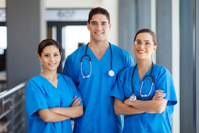 How To Stay Fashionable And Unique When Wearing Scrubs