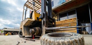 When Should You Replace Forklift Tires?