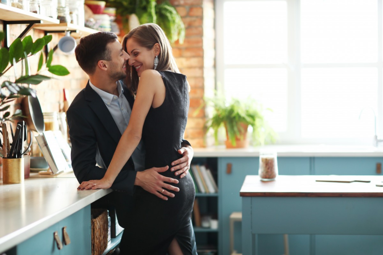 How to Dress to Keep Your Partner Interested