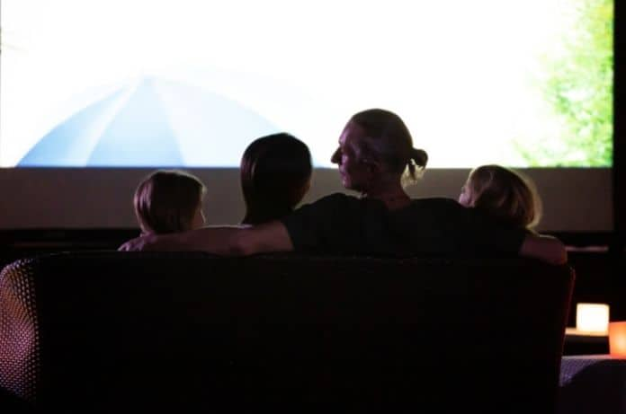 Tips for Organizing an Outdoor Movie Night
