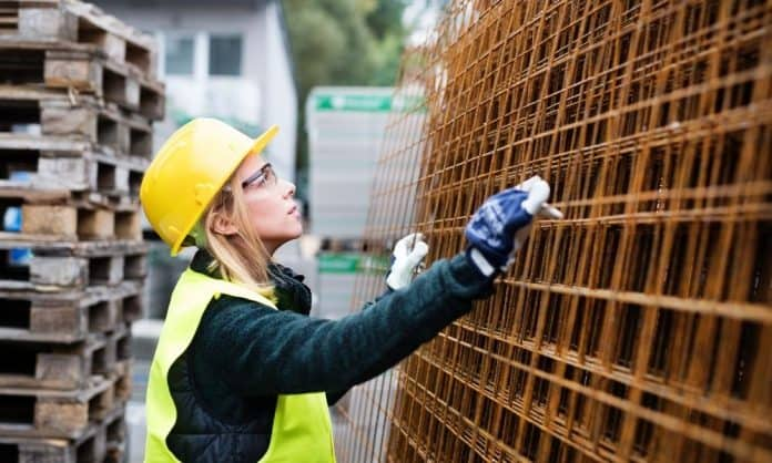 Avoiding Injury: 4 Signs of an Unsafe Work Environment